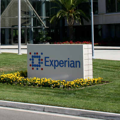 Intelligent Decisioning Case Study - Experian